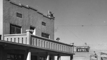 photo cottonwood hotel history